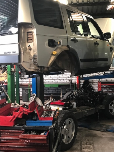 cylinder head repair Land Rover